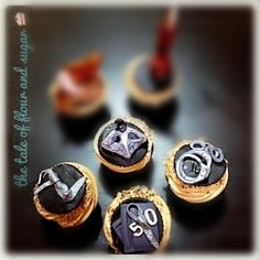 """Cupcakes - 16 """"Fifty Shades Of Grey""""-Inspired Desserts"""