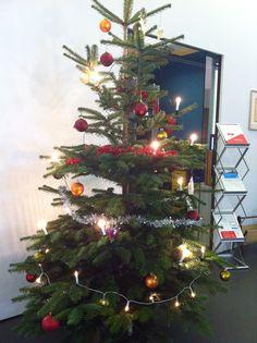 Weihnachten bei den netzstrategen Christmas Tree, Holiday Decor, Home Decor, 4 Years, Birthday, Christmas, Teal Christmas Tree, Decoration Home, Room Decor