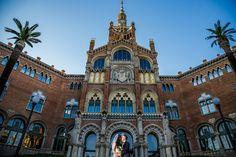 Fotos de la boda en el Hospital de Sant Pau y Casa Batlló de Barcelona. Fotografo de bodas en Barcelona. / Fotos del casament a l