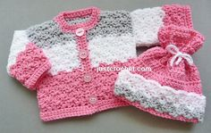 Crochet Baby Girl Crochet dolls coat-hat, a free crochet pattern for a premature baby, made in worsted weight Preemie Crochet, Crochet Bebe, Baby Girl Crochet, Crochet For Kids, Free Crochet, Crochet Baby Sweaters, Baby Knitting, Double Knitting, Double Crochet