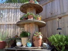 cable spool tables My wooden spools make great planters Large Wooden Spools, Wooden Cable Spools, Wood Spool, Wooden Spool Projects, Wire Spool Tables, Outdoor Projects, Outdoor Decor, Outdoor Living, Diy Projects