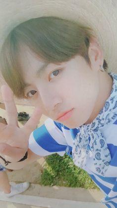 Jeon Jungkook: He's so precious pls protect
