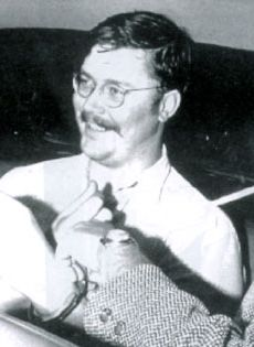 Kemper aka the Co-ed Killer is a serial killer who murdered 8 people in including his mother. Ed murdered his grandparents in when he was 15 years old. Ed Kemper is known for his height, standing at … Edmund Kemper Read Criminal Justice, Criminal Minds, Famous Serial Killers, Treat Her Right, Prison Life, Natural Born Killers, Real Monsters, Charles Manson, Evil People