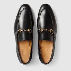 3bc25a57cec Mocassins Gucci Jordaan en cuir. Chaussure Gucci HommeChaussure  MocassinMocassins ...