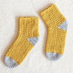 初心者の参考用 基本的なかぎ針編みアイデア☆足元をあっためてくれる簡単ソックス♪