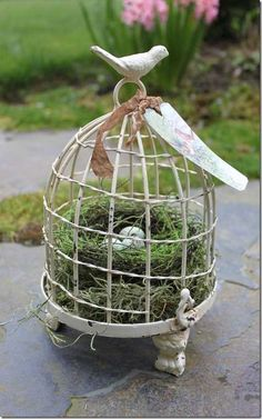 Bird Cage Centerpieces nest | Birdcage with Nest Decorating with Birdcages 12 Creative Ideas for ...