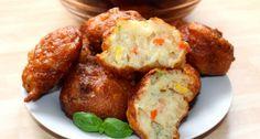 Zöldséges puffancs recept: Ez a zöldséges puffancs recept egy réges régi családi kedvenc nálunk. Kicsik és nagyok egyaránt szeretik, még szeretett nagymamám készítette el nekünk először hosszú évekkel ezelőtt. A tésztát változatossá tehetjük, nem muszáj zöldséggel keverni. Quiche Muffins, Hungarian Recipes, Baked Potato, Goodies, Paleo, Baking, Vegetables, Ethnic Recipes, Food