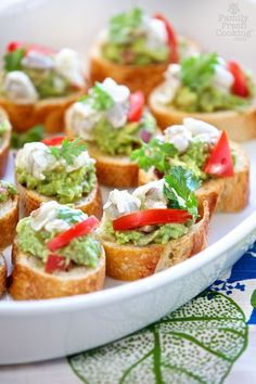 I'm so excited about 2 things today. These Guacamole & Shrimp Ceviche Toasts are the most delicious appetizer for. read more. Best Party Appetizers, New Year's Eve Appetizers, Yummy Appetizers, Appetizer Recipes, Seafood Recipes, Chicken Recipes, Cooking Recipes, Shrimp Ceviche, Granny Smith