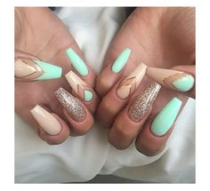 ▷ ideas for pointed nails - framing and design - fingernails pictures dull pointed nails golden glitter beige nails turquoise colors golden lines de - Pointed Nails, Stiletto Nails, Glitter Nails, Glitter Balloons, Glitter Bomb, Trendy Nails, Cute Nails, Ongles Beiges, Hair And Nails
