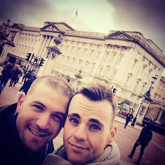 a whirlwind of a day through London with my #love. It was the #best #ever. #amazing#travel#instagram#instafam#instagay#gaycouple#london#uk#buckingham#palace by francoisblue