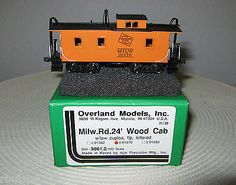 HO-Brass-Overland-Milw-Rd-1370-24-Wood-Caboose-Low-Cupola-FP-Lettered-Mint