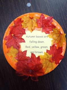 Leaf activities: Leaf crafts: Fall leaf wreath with poem in center.