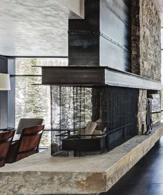 Latest Totally Free Contemporary Fireplace wall Ideas Modern fireplace designs can cover a broader category compared for their contemporary counterparts. Rustic Fireplace Decor, Metal Fireplace, Home Fireplace, Fireplace Design, Two Sided Fireplace, Library Fireplace, Fireplace Garden, Modern Mountain Home, Mountain Living