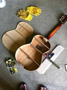 15 Old Guitars Turned Into Unique Ideas Guitar Art Diy, Guitar Crafts, Guitar Wall Art, Music Crafts, Guitar Shelf, Nursery Bookshelf, Diy Home Bar, Recording Studio Home, Woodworking Toys