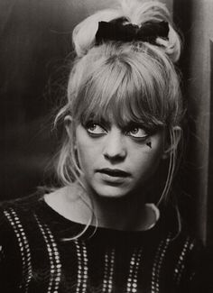young Goldy Hawn ~ looking a bit like Marion Cotillard here