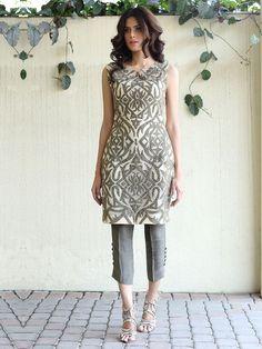 Show details for Devore tunic Pakistan Fashion, India Fashion, Asian Fashion, Casual Formal Dresses, Simple Dresses, Pakistani Outfits, Indian Outfits, Dress Outfits, Fashion Dresses