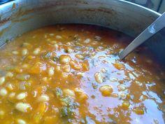 GREEK BEAN SOUP Bean Soup, Greek Recipes, International Recipes, Chana Masala, Soups And Stews, Vegetarian Recipes, Beans, Foods, Healthy