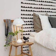 No Headboard No Problem. No Headboard No Problem: 11 Other Ideas for Framing a Bed. (via Apartment Therapy) Scandi Bedroom, Home Decor Bedroom, Bedroom Ideas, Wallpaper Headboard, Headboard Alternative, Headboards For Beds, Headboard Ideas, Tumblr Rooms