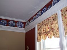 Love this plate rail Stairs Trim, White Heaven, Plate Shelves, Trim Board, Interior Trim, Plates On Wall, Home Projects, Valance Curtains, Living Room Decor