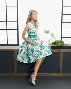 Vestidos estampados: Topos, rayas o flores