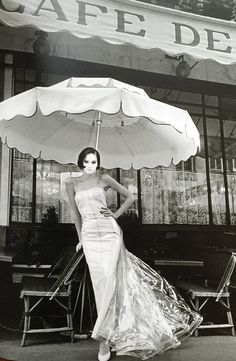 Jeanloup Sieff - paris 1995 Artistic Fashion Photography, Paris Photography, Jeanloup Sieff, Work In New York, The New Wave, Richard Avedon, French Photographers, Elle Magazine, Famous Artists