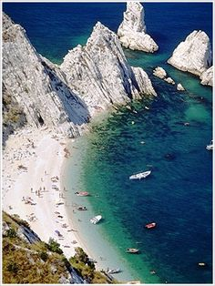 Places to Stay for your Italy Vacation Italy Vacation, Italy Travel, Italy Trip, Rome Italy, Most Beautiful Beaches, Beautiful Places, Places To Travel, Places To See, Ancona Italy