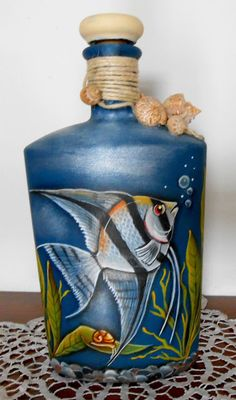 1 million+ Stunning Free Images to Use Anywhere Painted Glass Bottles, Glass Bottle Crafts, Painted Jars, Wine Bottle Design, Wine Bottle Art, Diy Bottle, Glass Painting Designs, Decoupage Glass, Jar Art