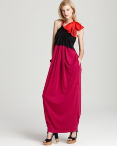 easy to wear.  great colors and shape of dress is uber-flattering.