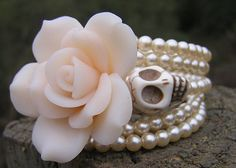Super cute shop on Etsy with all kinds of Day of the Dead jewlery