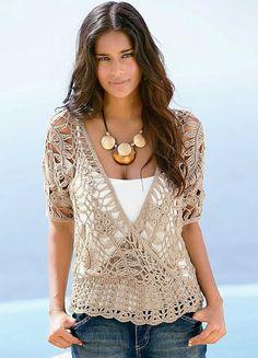 Olá amigas!  Essa blusa de  crochê de grampo é perfeita!!!  Amei a cor (combina com tudo) e o modelo tranpassado (disfarça as gordurinhas)...