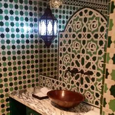 #Moroccan inspired #zelig #tile and #style make for an exotic #bathroomdesign by the well-travelled and talented #designer @martynbullard. Everything from the #copper #faucet and basin and of course the #lighting are perfect! Many thanks to @karineish for tagging us! // #architecture #arquitetura #backsplash #carrelage #ceramics #decor #design #fliesen #home #homedecor #ihavethisthingwithtiles #interiors #interiordesign #Moorish #mosaics #pattern #tilelove #tiledesign #tilework #tileometry…