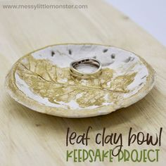 Making air dry clay bowls is such a fun art project for kids! They will have so much fun making their own clay leaf bowl and they are so easy to do!