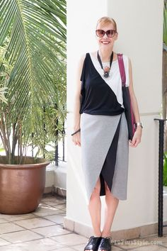 Wearing a graphical black & white outfit | 40plusstyle.com