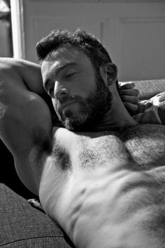 Just another gay guy with a thing for scruffy, furry, hairy, hunky men. Scruffy Men, Hairy Men, Bearded Men, Sexy Bart, Barba Sexy, Cuerpo Sexy, Daddy, Black Men, Black And White