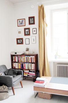 Esittelin teille viime vuoden lopulla uuden kotimme olohuoneen ja nyt makuuhuonekin alkaa pikkuhiljaa olla sellaisessa kunnossa, että siitä kehtaa ott