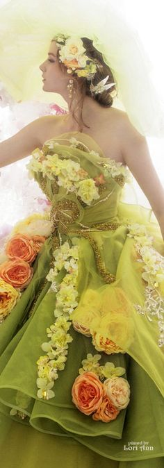 Lime Sherbet, Peach And Green, Peach Colors, Beauty Women, Beautiful Dresses, Salmon, Gowns, Beauty Ideas, Peaches