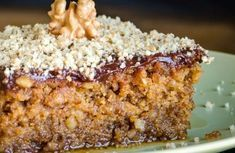 karydopita me glasso Greek Sweets, Greek Desserts, Summer Desserts, Greek Recipes, Easy Sweets, Sweets Recipes, Baking Recipes, Cookie Recipes, Greek Cake