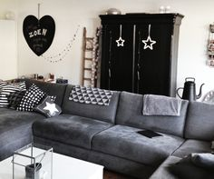 Livingroom - large couch - Chalkboard heart