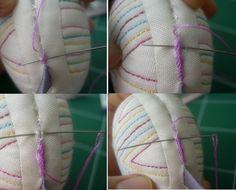 출처:추 출처:바늘친구 김양숙 Korean Art, Chinese Art, Pin Cushions, Fabric Crafts, Hand Embroidery, Diy And Crafts, Craft Projects, Throw Pillows, Quilts