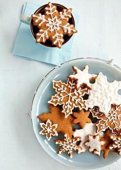 Spiced Sorghum Snowflake Cookies - Craftfoxes