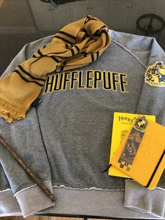 A small, yet perfect way for any proud hufflepuff to rock this getup.