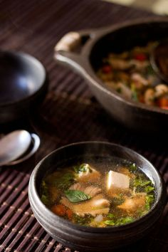 thai vegetable tofu soup recipe with step by step photos. a warm & comforting thai vegetable tofu soup recipe. Tofu Recipes, Vegetable Recipes, Seafood Recipes, Asian Recipes, Vegetarian Recipes, Healthy Recipes, Vegetarian Soup, Tofu Soup, Vegan Soup