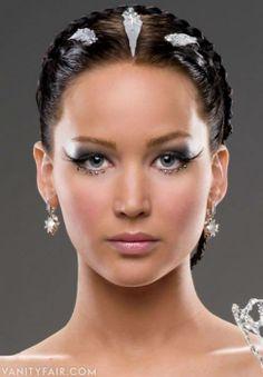 http://www.carolinefashionstyling.com/2013/09/tv-and-photoshoots-jennifer-lawrence.html #hungergames #fashion #style