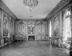 Jules Allard et Fils (active in New York and Paris), A drawing room in the Louis XVI-revival style, about 1903, Painted and gilded oak, marble, gilt-bronze hardware. Original commission by William Salomon, 1020 Fifth Avenue, #NYC #historic #mansions #mansion #gildedage #art #architecture #luxury #interiordecoration  #interiordesign #decor #julesallard