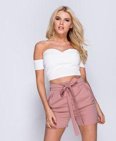 Pink plisserede shorts med sløjfe