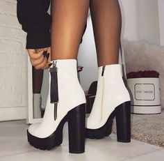 56 Ideas Boots Femme Talon Aiguille For 2019 - FootWear Dream Shoes, Crazy Shoes, Me Too Shoes, Heeled Boots, Shoe Boots, Shoes Heels, Ankle Boots, Footwear Shoes, Shoes Sneakers