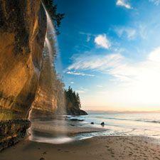 Mystic Beach, Juan de Fuca Provincial Park, British Columbia, Canada (Aaron Black/Getty Images photo)