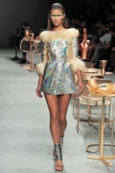 Future Fashion, Holographic Clothing, Paco Rabanne, futuristic fashion ...
