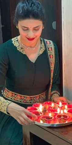 Prachi Desai, Sari, Indian, Hot, Beautiful, Fashion, Saree, Moda, Fashion Styles
