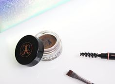 Up your brow game with Anastasia beverly hills dipbrow pomade. The best eyebrow makeup ever!! Beauty essentials!